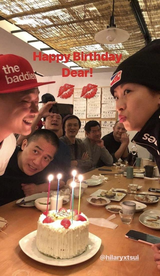 谢霆锋王菲K歌,梁朝伟刘嘉玲、张震捧场,都是为了给她过生日!