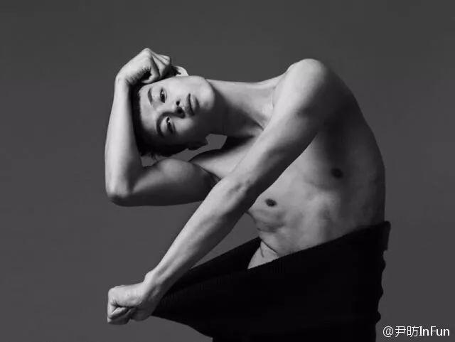 出生于1986年的尹昉本职身份是一名青年舞者,专攻芭蕾,曾加入北京