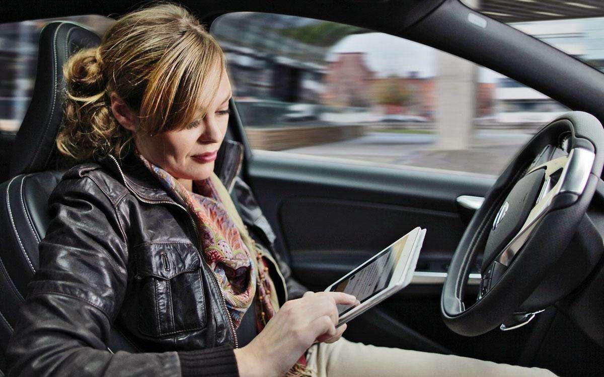 AI两入政府工作报告,百度这次走上了自动驾驶快车道