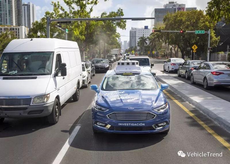 福特加入无人驾驶商用大战 与Waymo、通用能否三足鼎立?