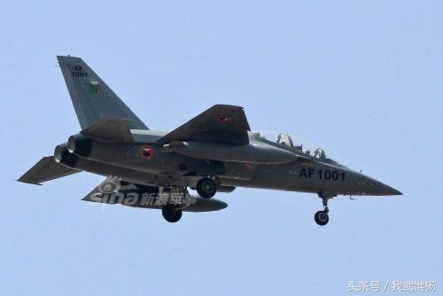 """回复:正面击败欧美豪强!中国L-15""""猎鹰""""出口南美乌拉圭"""