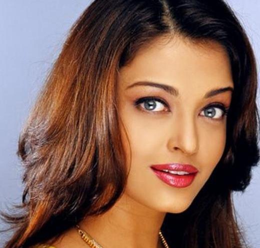 是印度和巴基斯坦家喻户晓的电影明星,有印度宝莱坞第一美女之称.