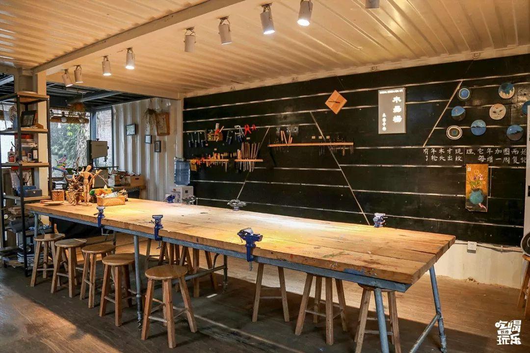 旅游 正文  文创园的第二站,我们来到了木昜杨木艺工作室.图片