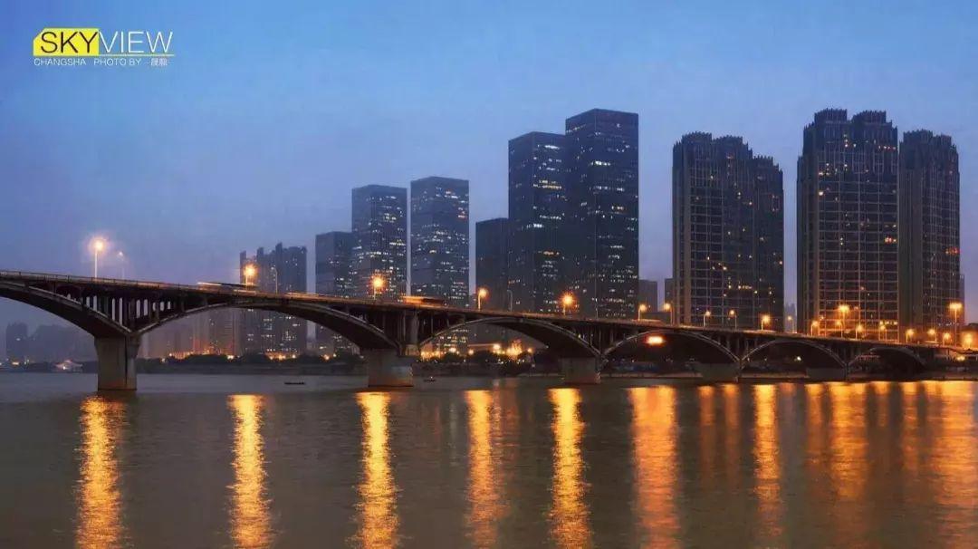 橘子洲大桥将提质改造,今明两晚这个时段禁机动车通行!这座46岁的大桥有你的青春记忆吗