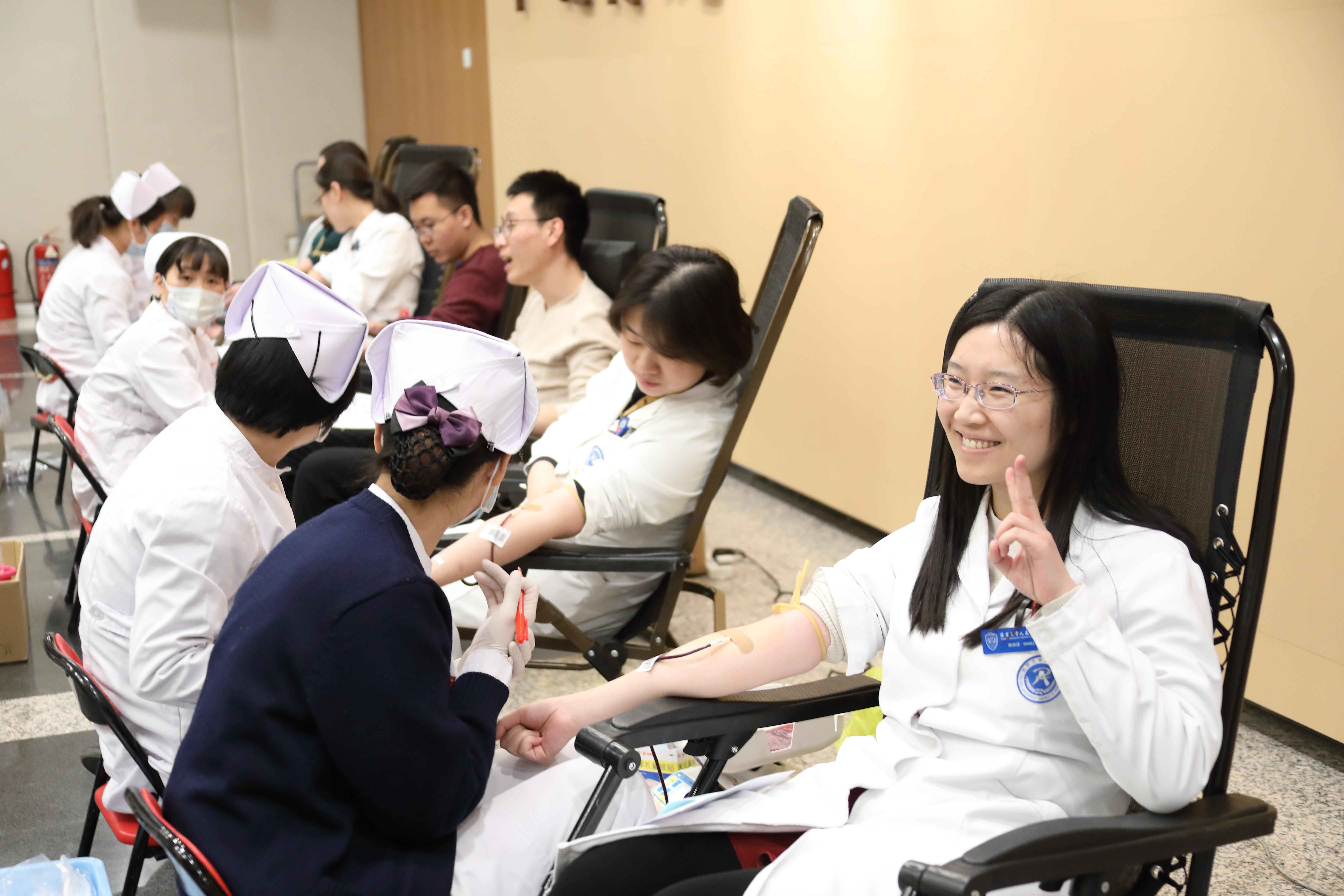天使风采   87名北京大学人民医院职工无偿献血17400毫升