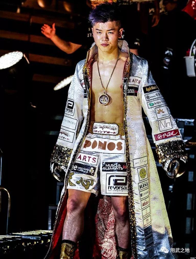 他是日本第一武尊最怕的人,16岁杀入职业擂台至今不败,因此事未向武尊出手!