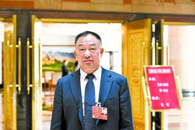 全国人大代表,浙江元立金属制品集团有限公司董事长 叶新华图片