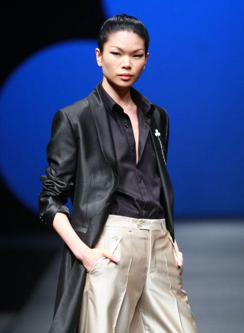 这个18岁的女孩儿被称为超模脸,这是对时尚的误解有多深