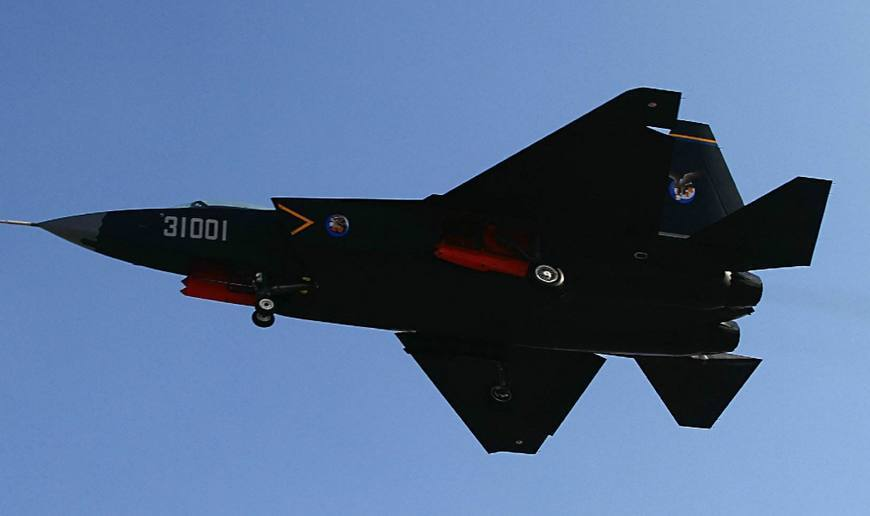 歼20携手歼31将亮相珠海航展, 是否意味着歼31今年将服役?