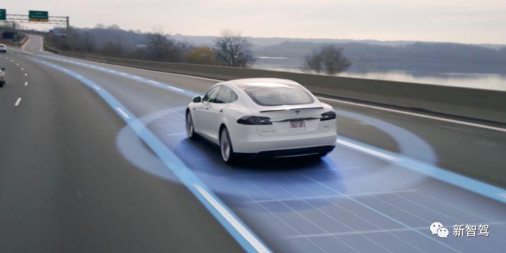马斯克再放豪言:完全自动驾驶车2019年末前实现