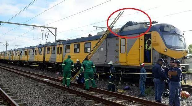 火车冲浪者触电身亡