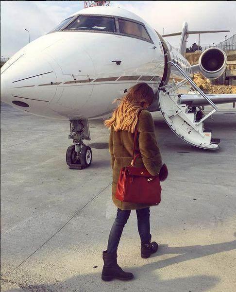 社交名媛和闺蜜乘私人飞机坠毁遇难,系富商继承人