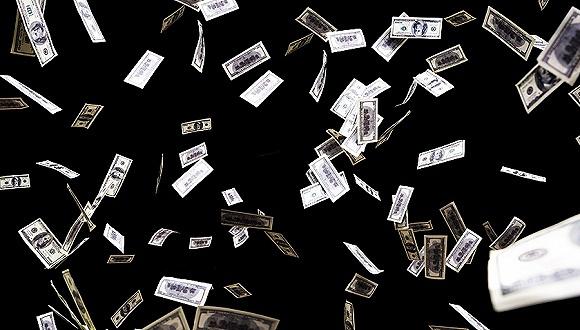 14日沪深两市成交量为4457.89亿元,较前一交易日下降约564亿元