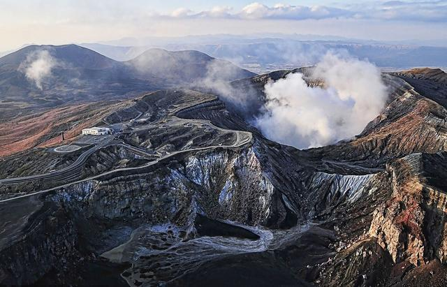 新燃岳再喷发,日本最美的火山除了富士山,还有这些值得去旅游