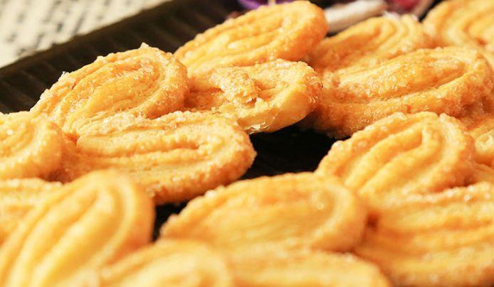 好的蝴蝶酥一定是纯手工制作的,每一步骤都要考虑面团和黄油的比例