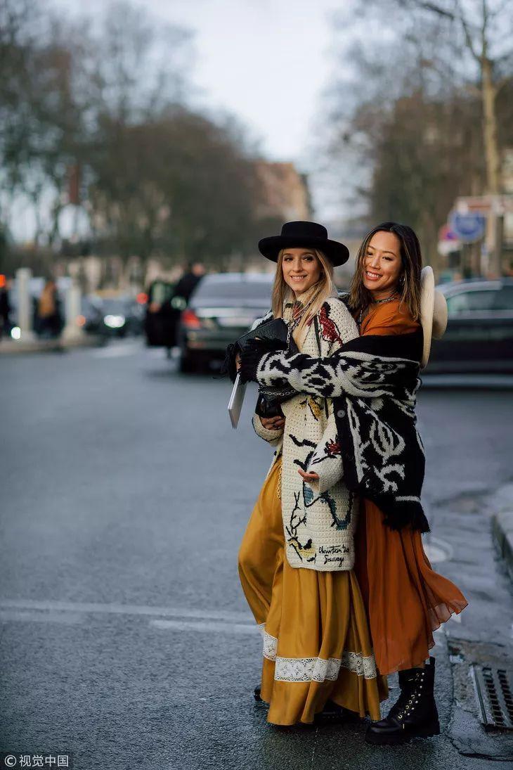 又到了西装配长裙的季节,掌声响起来!