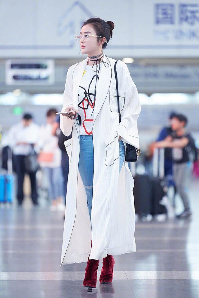 秦岚姐姐在秀大长腿的同时还隐约有丝少女感? 风格偶像 图9