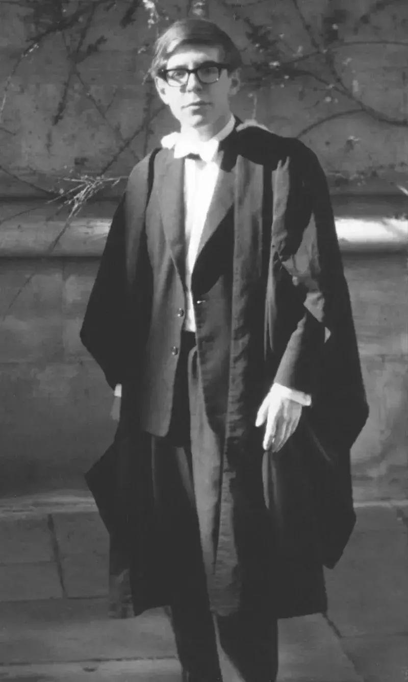 霍金,成绩从未进入前十,曾让老师绝望过……但是他的经历会影响孩子的一生