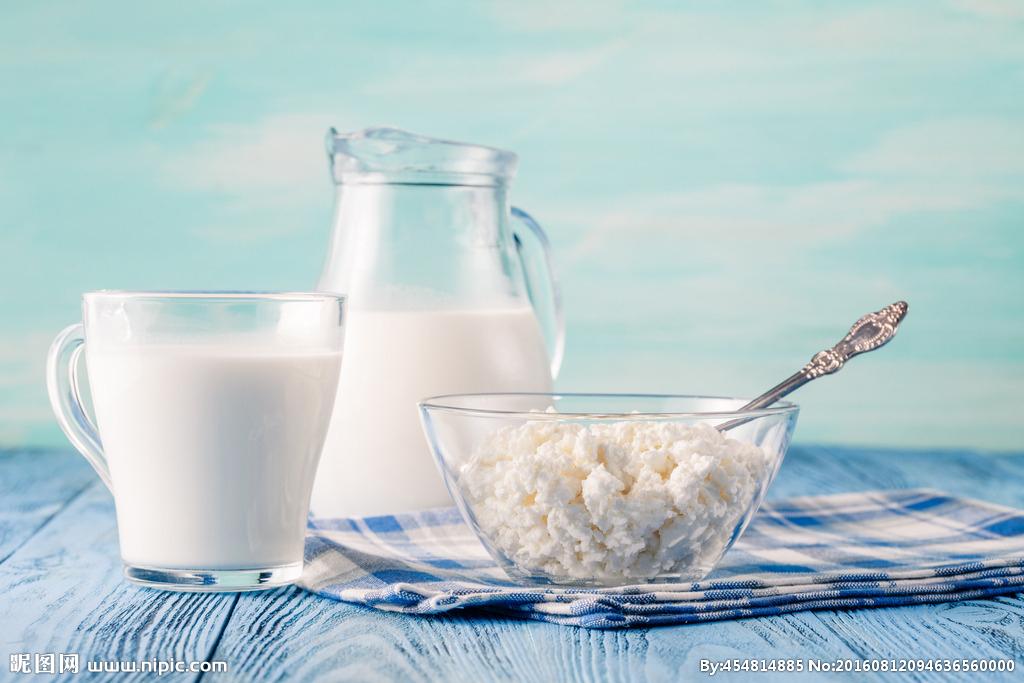 人均牛奶_牛奶图片卡通