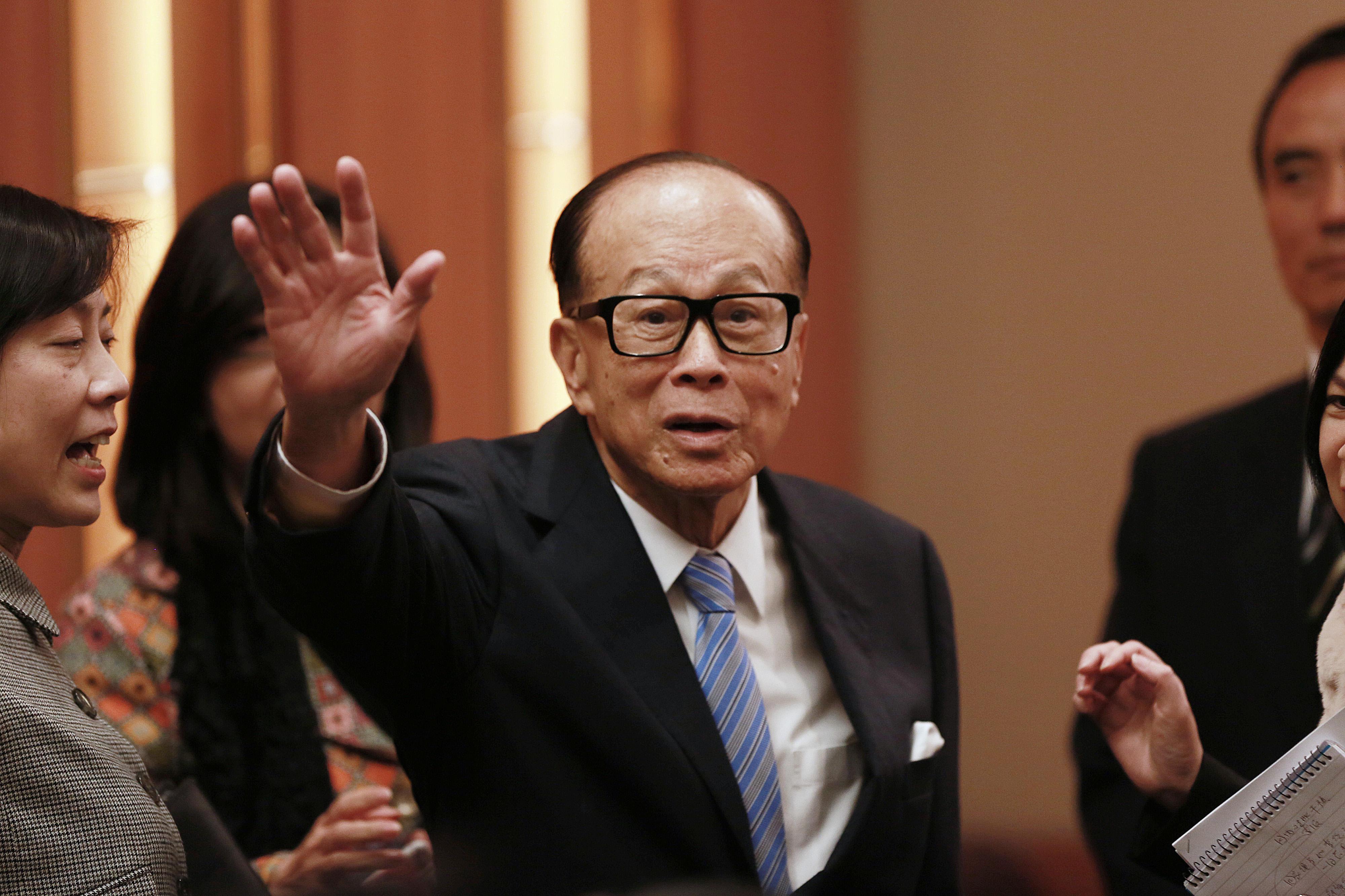 工作78年的李嘉诚宣布荣休 转战慈善事业