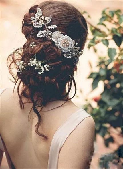 2018年流行新娘盘发发型,打造时尚新娘造型图片
