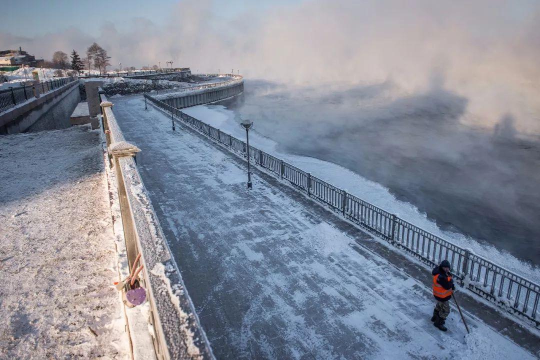 在零下40℃的贝加尔湖花式撒欢,你竟然是这么热情和浪漫的目的地!