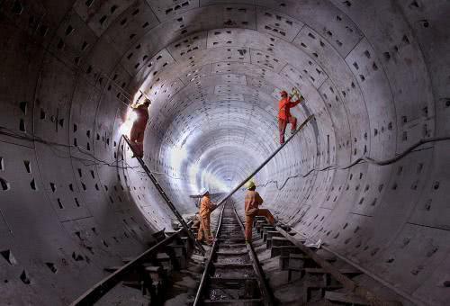 国人出力日本收钱?中国高12米铁疙瘩问世,多年垄断终被破解