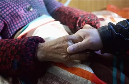聋哑男子14岁被拐流浪25年_走遍全国终找到家人