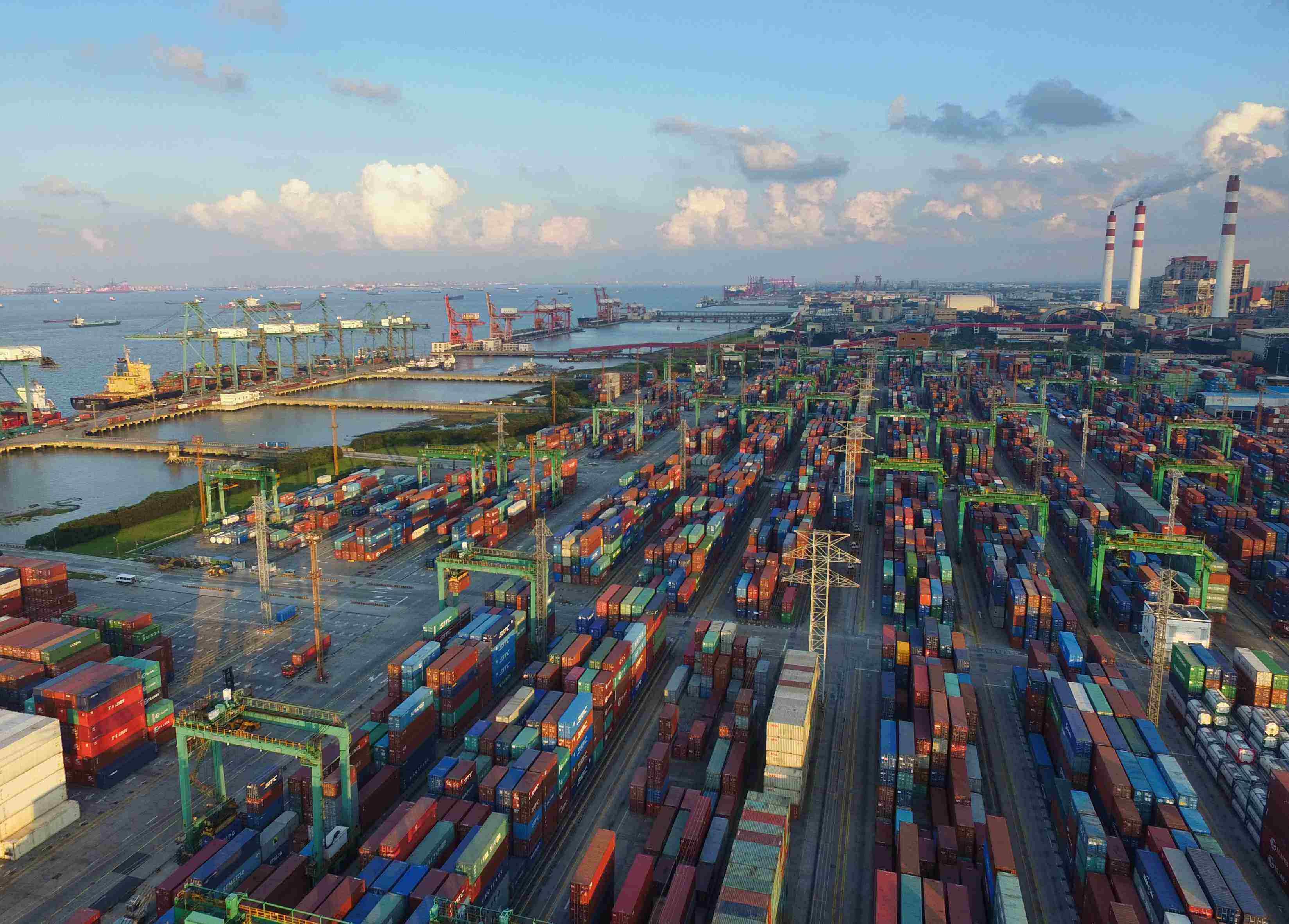 宋清辉传奇私服比奇皇宫在哪:中国自由贸易港建设面临两大金融风险