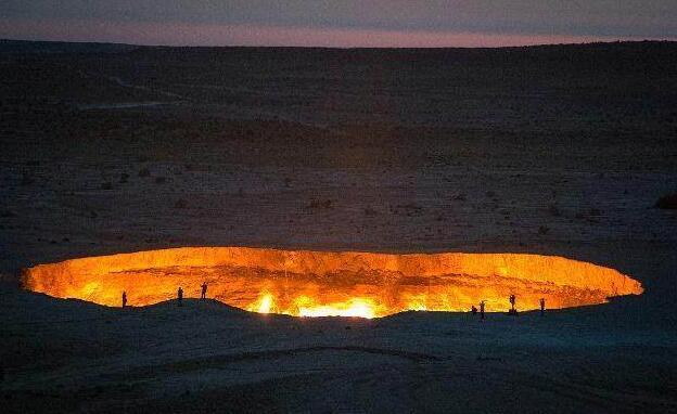 世界上最神秘的沙漠洞穴,大火燃烧44年从未熄灭,被称为地狱之门