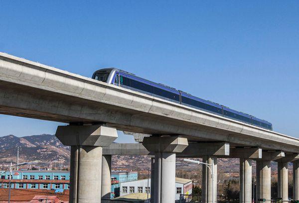 """探访青岛地铁11号线 见证中国沿海""""最美地铁线""""上在画中开往春天的地铁"""