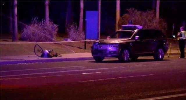 所谓乌托邦 是否会因为这场车祸变为无人驾驶的荒漠?