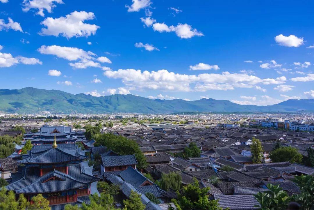 全球最美百年古镇 | 神秘又迷人的凤凰和丽江,哪些美似天堂的地方你最爱?