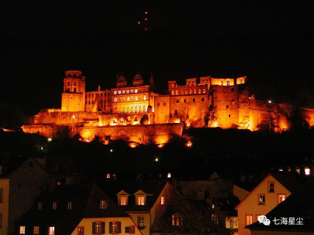把德国所有的诗情画意聚集在一起,才酝酿出这座小城!