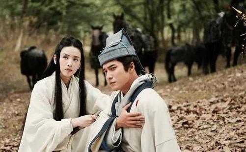 董洁新剧宣传海报上眼神透露杀气,想当初她甚至比刘亦菲还美呀!