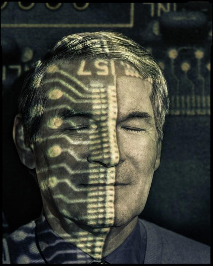 """神经科学家Phil Kennedy切开自己头颅进行""""脑机接口""""研究"""