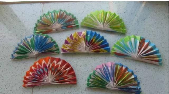 手工折纸扇子 不用棍子也能做扇子?