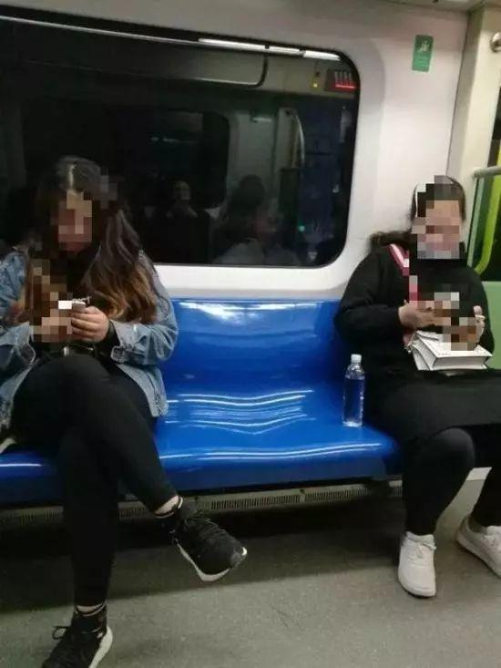 太吓人!天津地铁出现惊悚一幕 网友发出惊呼