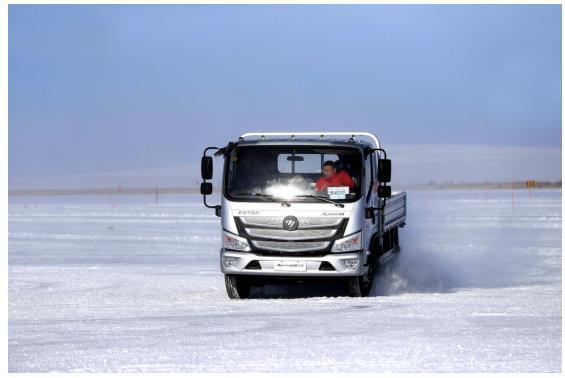 极寒之约 欧马可S3超级轻卡荣获 冰雪极限操控王