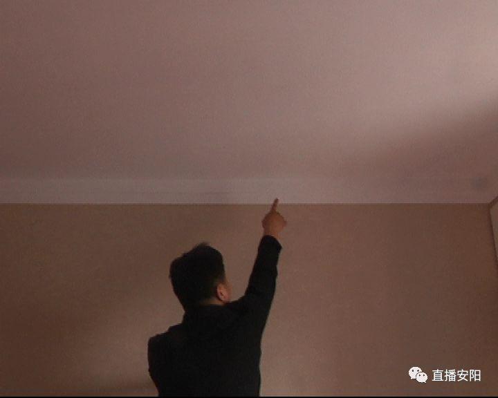 新房墙面多处空鼓   业主担心房屋质量(二)