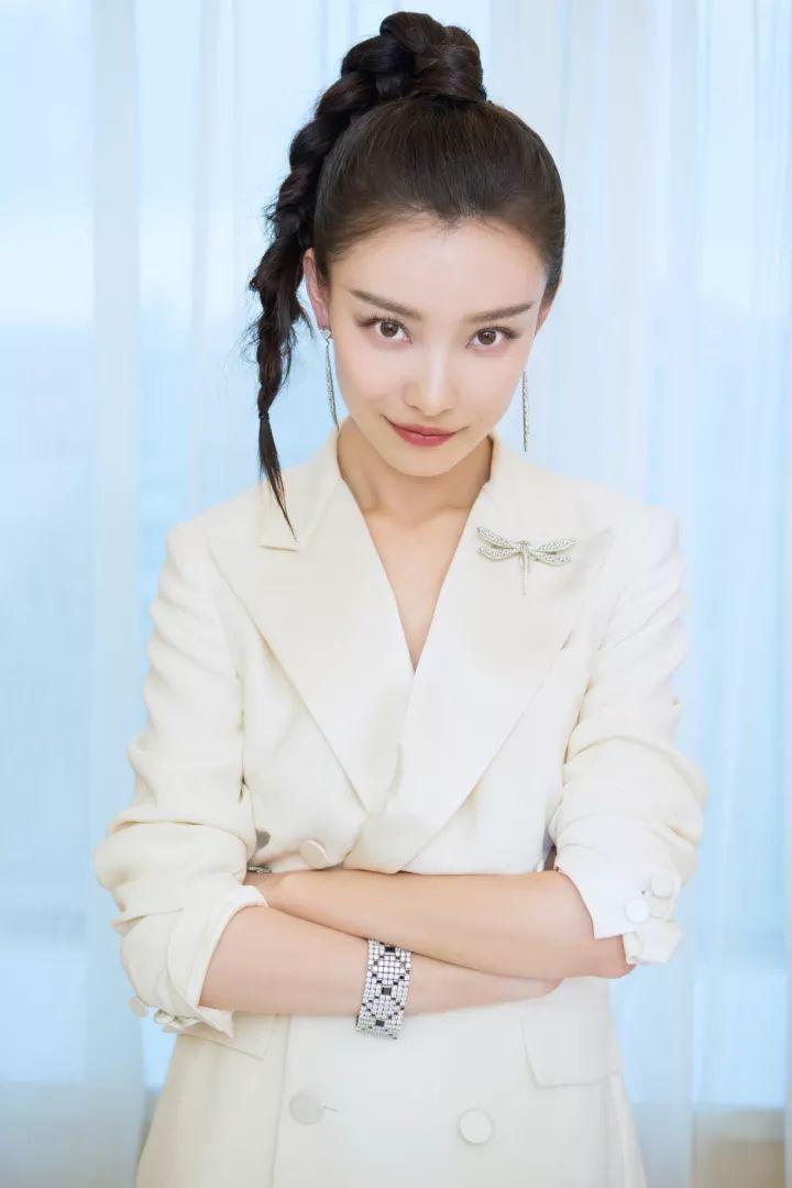 赵丽颖杨紫同款编发显脸小又俏皮,让你美过整个春天!