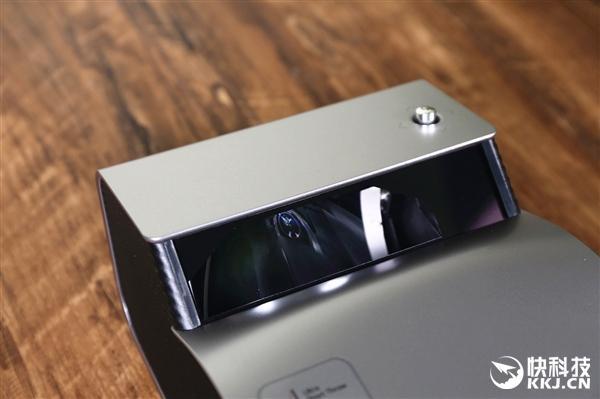 科技 正文  功能方面,lg便携式短焦投影仪lg ph450可与安卓手机,平板图片
