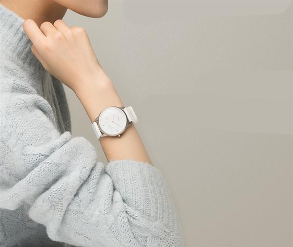 續航12個月 聯想Watch 9智能手表開賣:129元