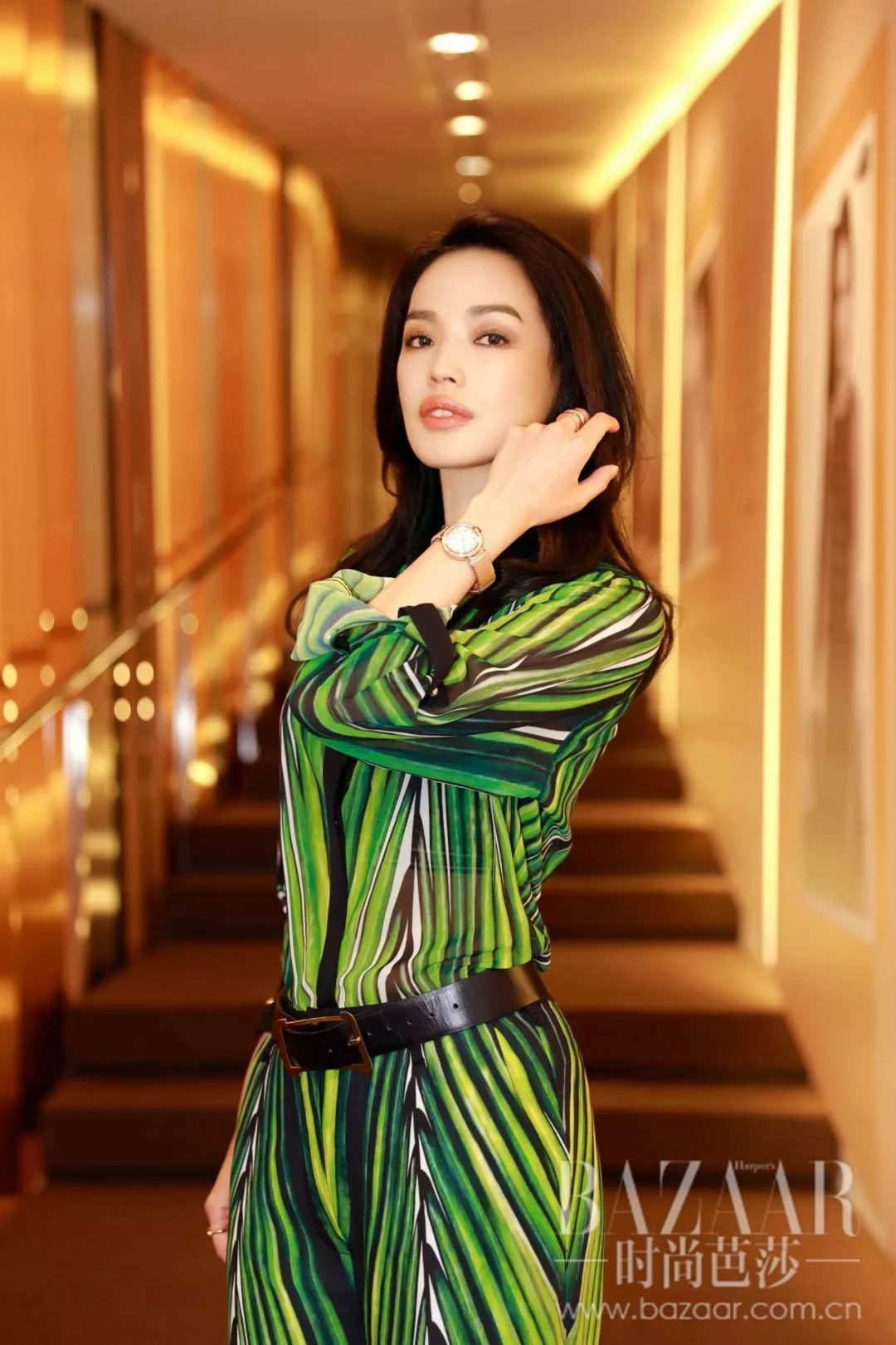 舒淇花代言费买珠宝,王源说自己不可爱,巴塞尔上百万的表长什么样?