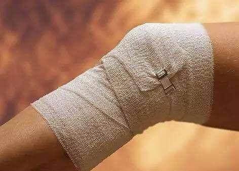 扎针放淤血险截肢 治疗静脉曲张需科学谨慎