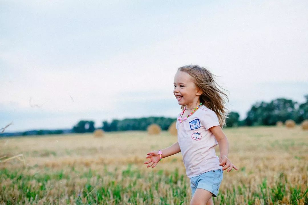 """乔布斯女儿PK盖茨女儿,美式家庭教育重新定义""""富养""""女儿!"""