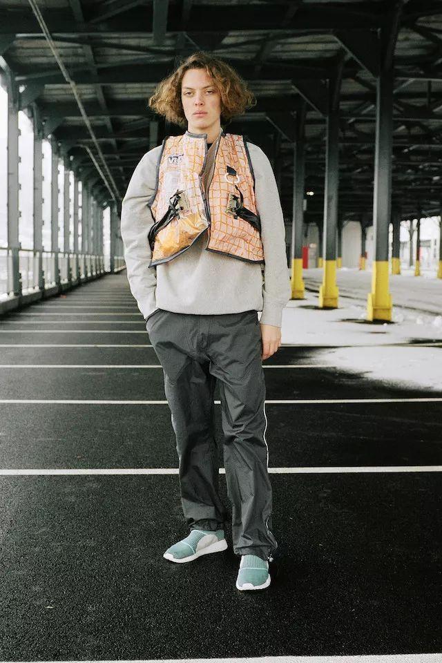 adidas 携手海洋环保组织 Parley 推出再生塑料系列