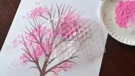 幼儿园气泡膜创意手工绘画,厉害了!图片