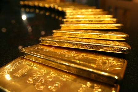 未受中美紧张贸易局势影响 黄金价格因美元上涨小幅走低
