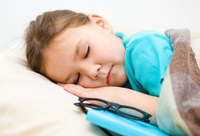 一看时间竟然十一点多了,徐妈妈便安排孩子洗漱睡觉.